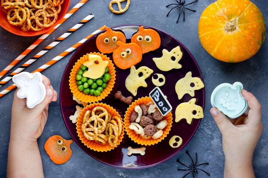 Halloween themed treat ideas to make with kids for Halloween treats to make with kids